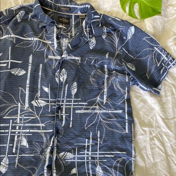 XL Quicksilver organic cotton Hawaiian button up